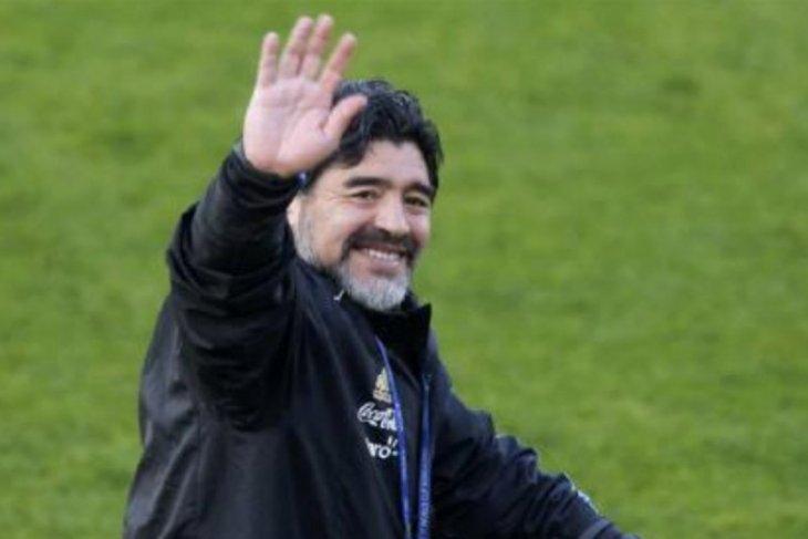 Diego Maradona positif terpapar COVID-19