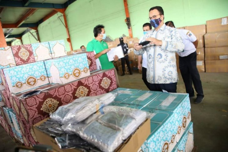 Baswedan to distribute 20 million free masks to Jakarta citizens