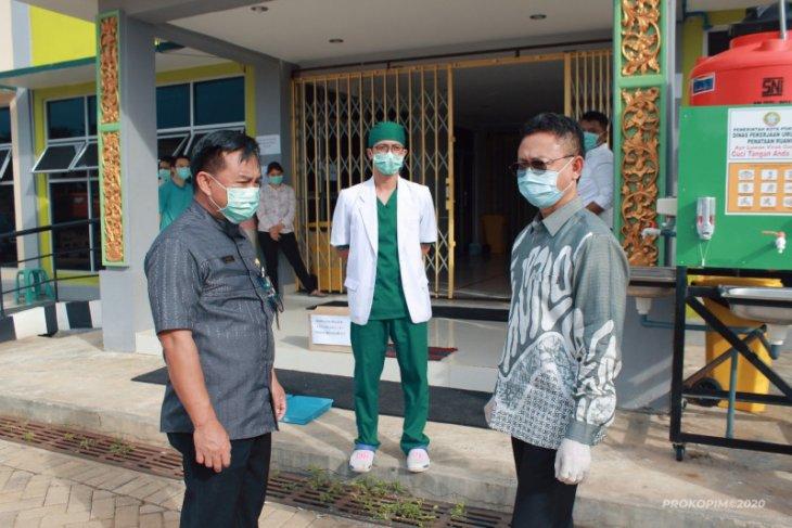Edi Kamtono berikan motivasi sembuh pasien di Rumah Karantina COVID-19