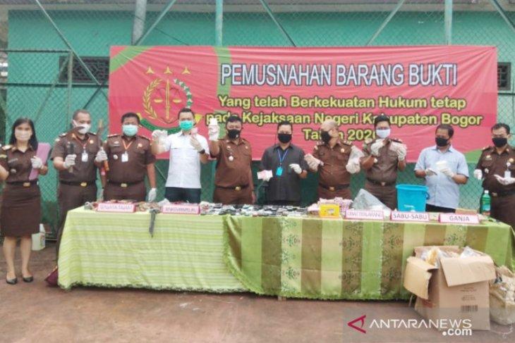 Kejari Kabupaten Bogor musnahkan 8.000 lembar uang palsu pecahan Rp100 ribu