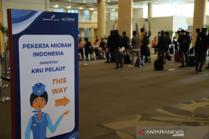 4.960 pekerja migran telah pulang melalui Bandara Ngurah Rai