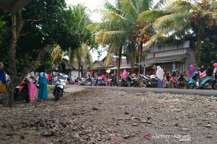 Tiga warga terseret arus sungai di Mukomuko, satu ditemukan meninggal
