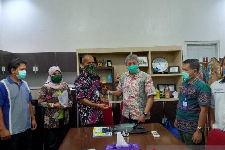 Perusda Kalbar gandeng FT Untan produksi face shield untuk bayi