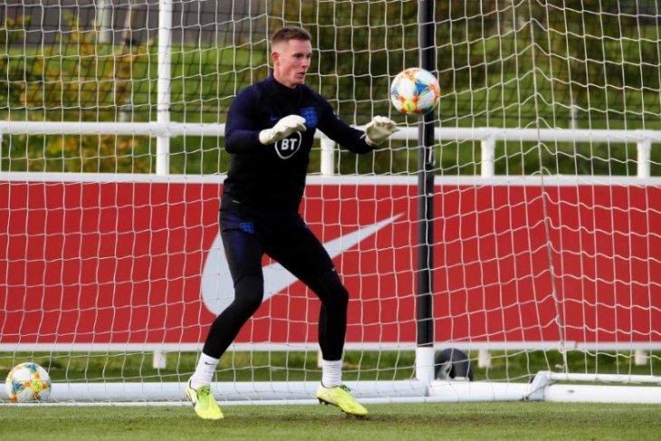 Tinggalkan Sheffield, Henderson buka jalan pulang ke United