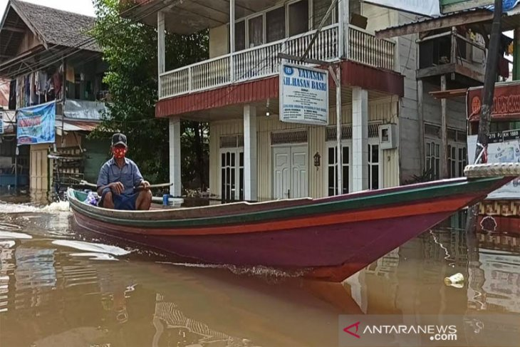 Floods inundate eight sub-districts in North Barito, C Kalimantan