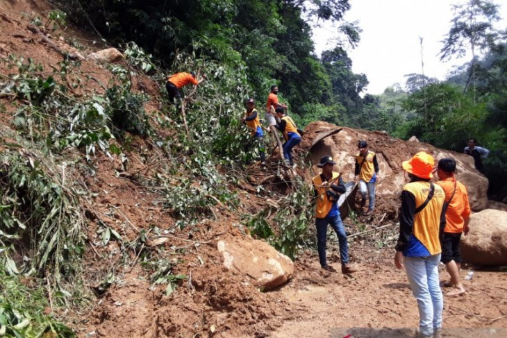 Landslides sever access to tens of villages in South Sumatra