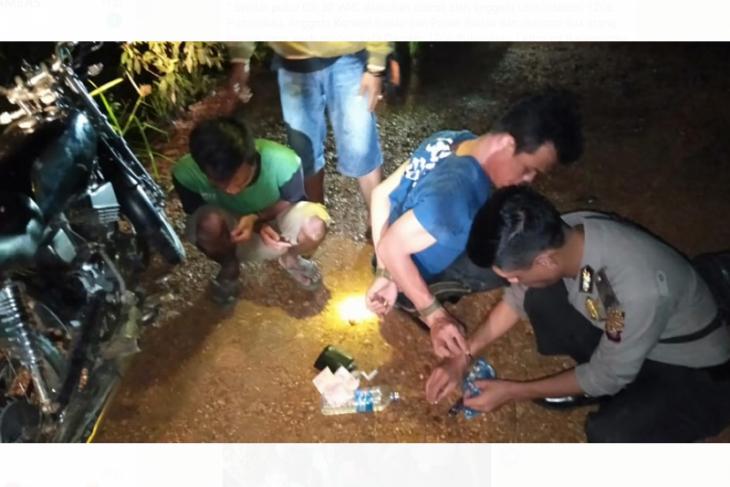 Tim gabungan ringkus dua pemuda pakai sabu di batas Indonesia - Malaysia