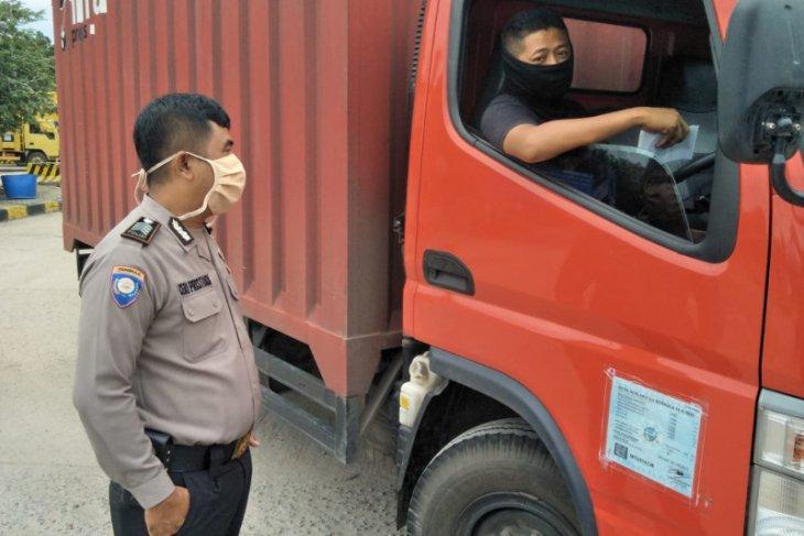 Polres Bangka Barat wajibkan penggunaan masker di kawasan pelabuhan