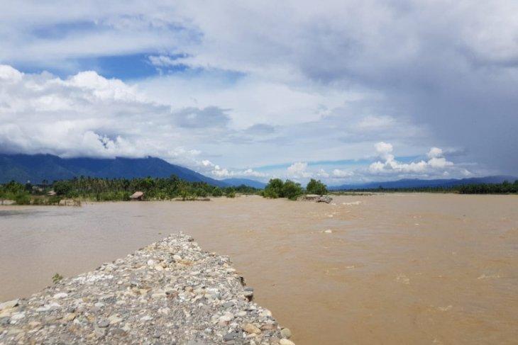 Tanggul sungai 250 meter jebol, sawah warga di Aceh Tenggara terendam