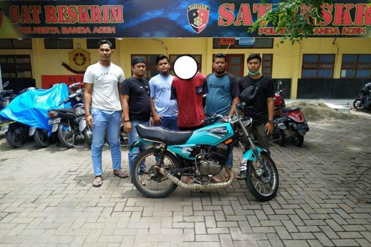 Pencuri sepeda motor diringkus polisi