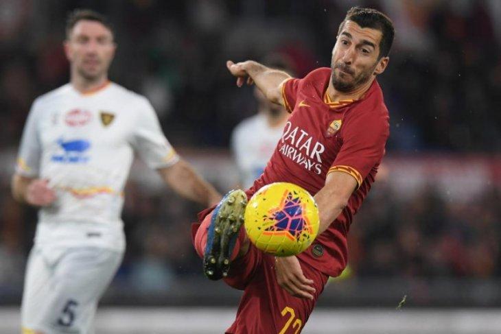 Arsenal bersiap  permanenkan Mkhitaryan di Roma