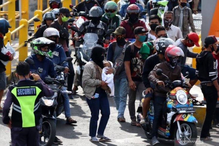 Terhadang di perbatasan Jatim, 5.633 kendaraan diminta putar balik
