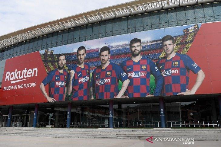 Pandemi paksa Barcelona  kurangi staf pengendus bakat