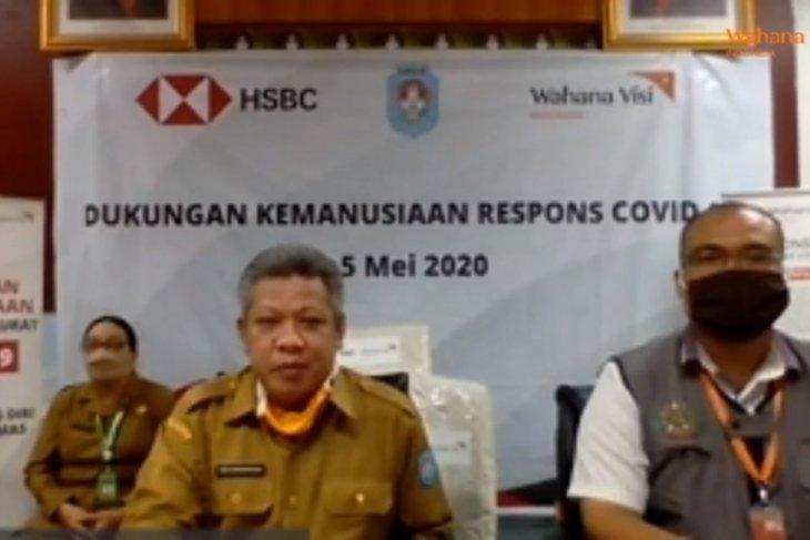 HSBC-WVI salurkan APD tenaga medis di tujuh kabupaten di Kalbar