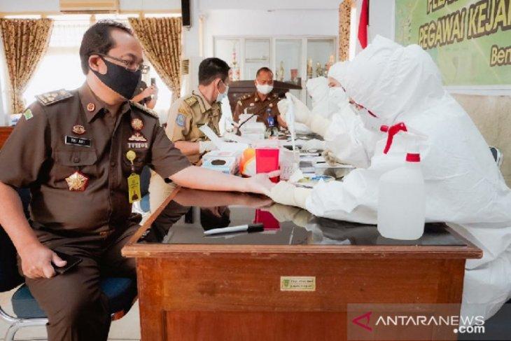 Rekannya positif, puluhan tenaga medis di Bengkulu di karantina COVID-19