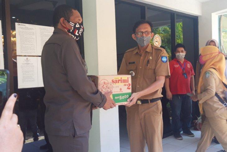 Pemprov Malut salurkan 2.000 paket sembako di Ternate