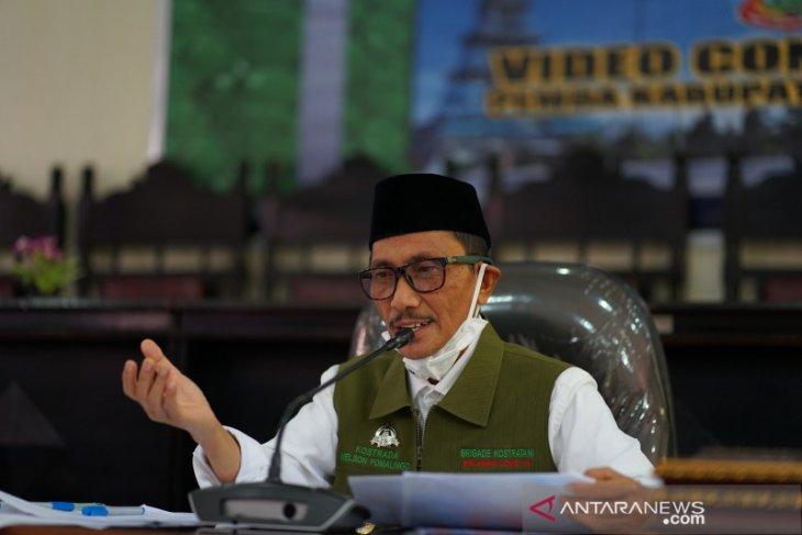Bupati Gorontalo paparkan peran BUMD pada seminar nasional online