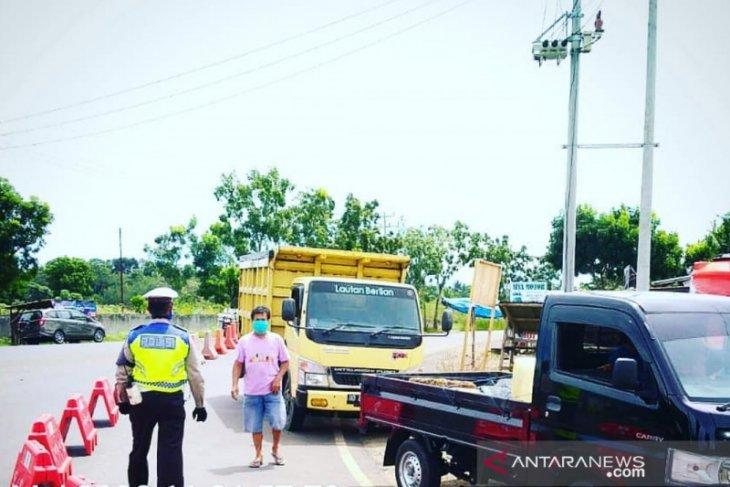 Satu keluarga Lampung nekad mudik  ke Bengkulu, dipaksa putar arah