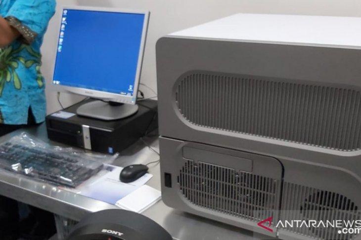 Balikpapan dapat bantuan satu unit alat uji PCR