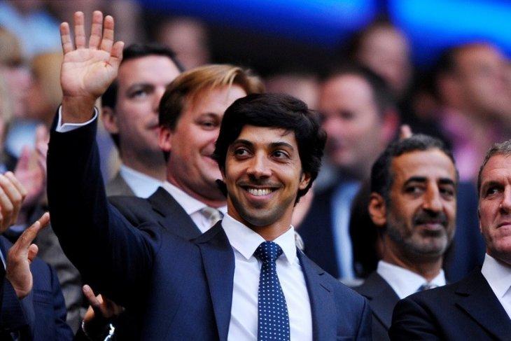 Sheikh Mansour, pemilik City Football Group kini resmi punya sembilan klub