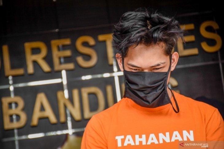 YouTuber Ferdian Paleka terancam 12 tahun penjara dan denda Rp12 miliar
