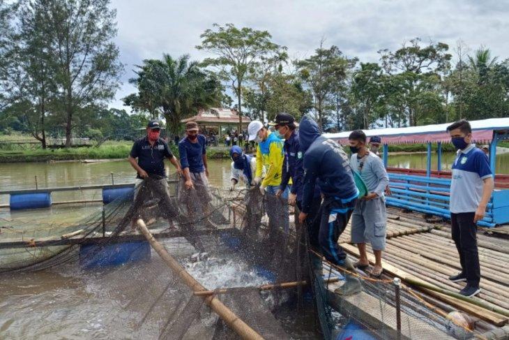 Gubernur borong 12 ton hasil pertanian warga Bengkulu