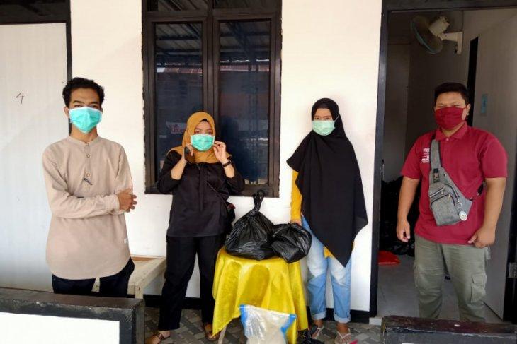 KMKS salurkan bantuan dari Pemkab Sambas untuk mahasiswa di Pontianak