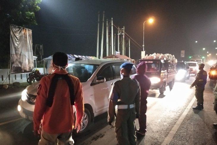 Jelang Idul Fitri, volume kendaraan di Jalur Puncak-Cianjur meningkat tajam