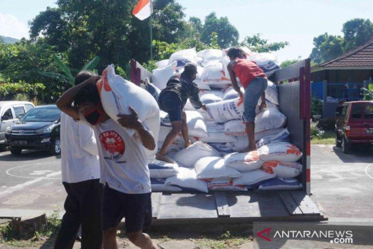 Di Buleleng, Ribuan anggota Satgas COVID-19  dapat bantuan beras
