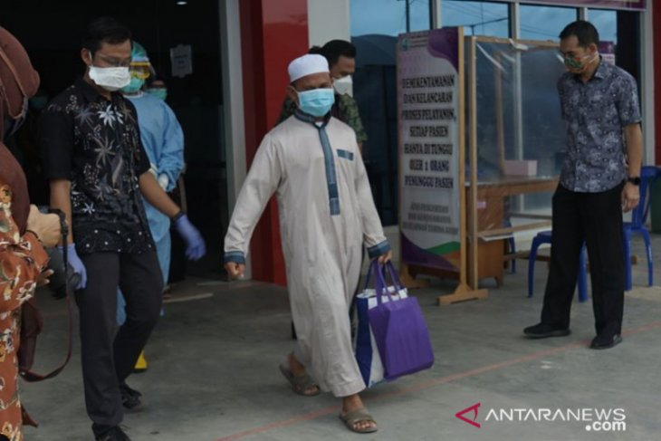 Satu pasien positif COVID-19 HSS warga Kecamatan Daha Barat sembuh