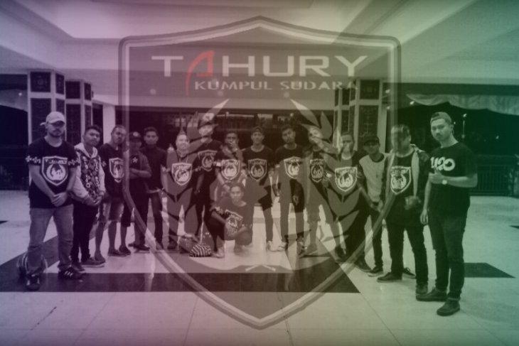 Grup hip-hop Tahury kampanye stay at home via lagu cegah COVID - 19