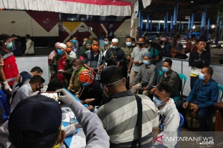 Satgas COVID-19 Pamekasan pantau khusus kedatangan 36 pekerja migran
