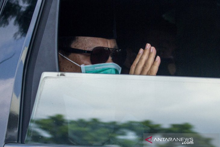 Prabowo beri hormat tenaga medis lawan COVID-19 saat Lebaran