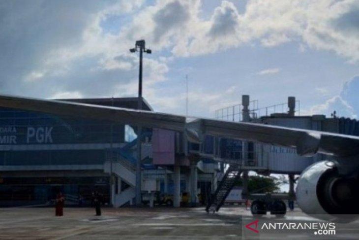 Penumpang di Bandara Depati Amir Pangkalpinang terpantau sepi