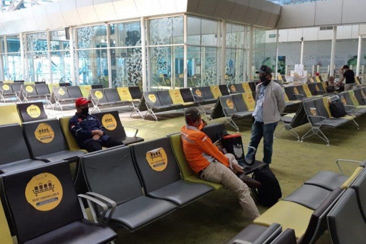 Penumpang hari pertama operasional terminal  Bandara Sulthan Thaha Jambi