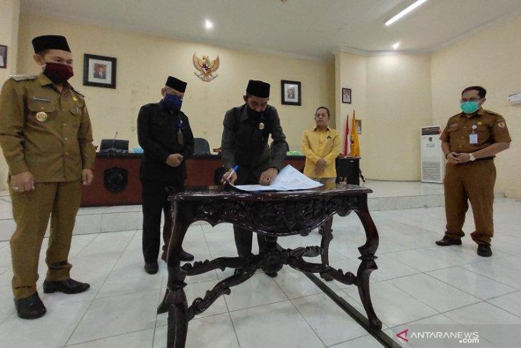 Advertorial - DPRD HST sahkan Raperda Bea perolehan hak atas tanah dan bangunan