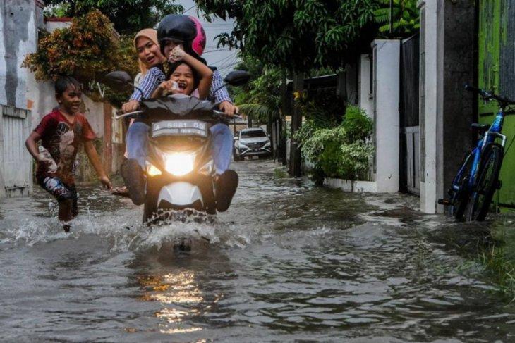 Rumah warga BTN Mandala Lebak terendam banjir