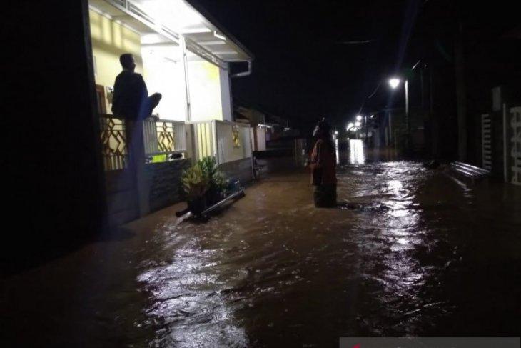 Puluhan rumah di Perumahan Asabri Kediri terendam banjir
