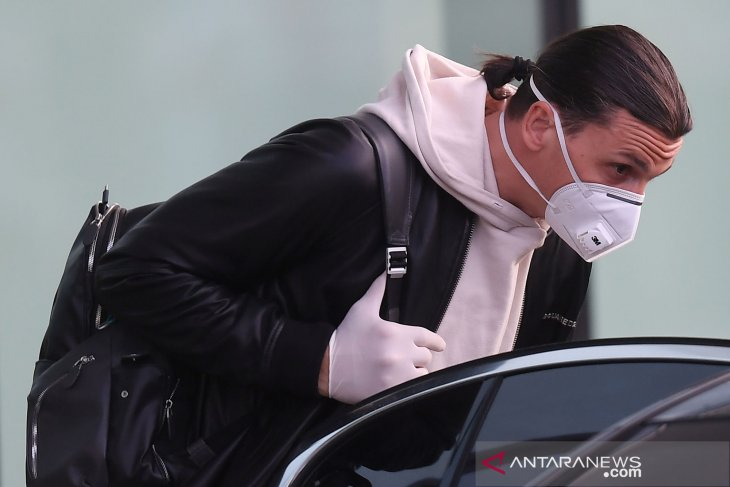 Ibra kembali ke AC Milan untuk berlatih