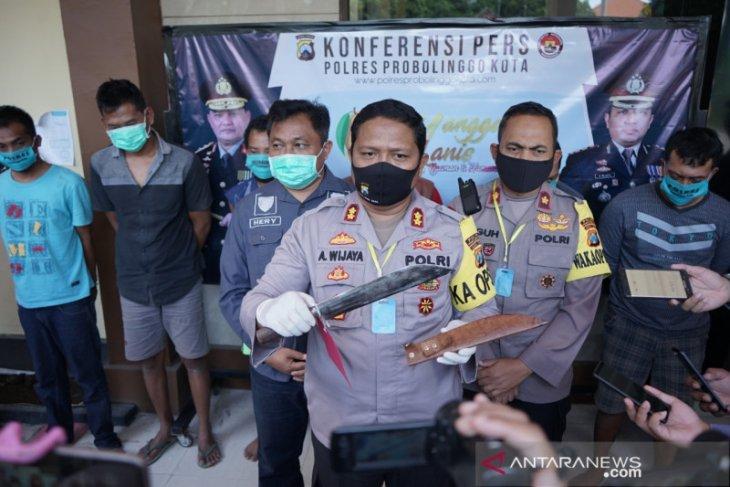 Polresta Probolinggo tangkap komplotan bersenjata tajam begal truk