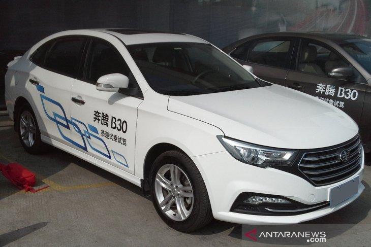 Produsen mobil China, FAW Group Co, terpaksa menarik kembali 45 ribu sedan B30