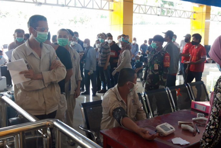 155 TKA asal China  yang habis kontrak kerjanya dipulangkan