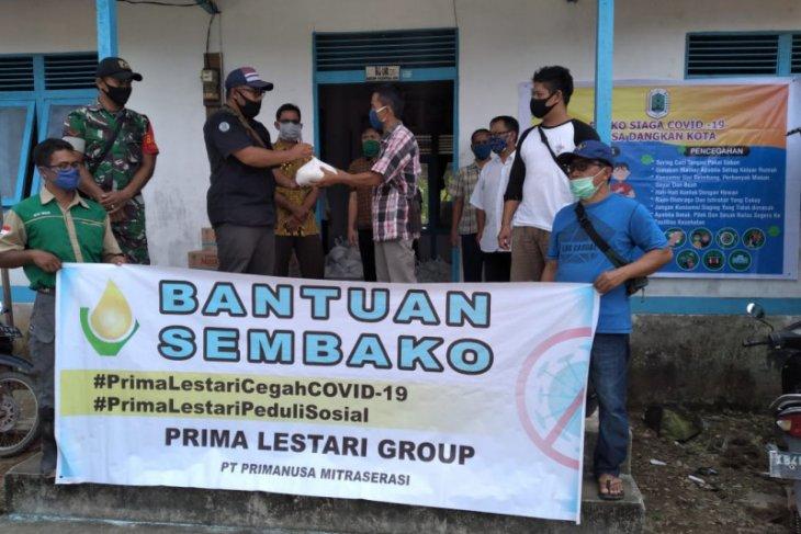 Prima Lestari group bagikan 313 paket sembako di Silat Hulu