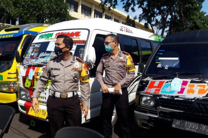 Polda Jawa Timur amankan 54 kendaraan lakukan perjalanan mudik antardaerah