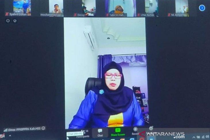 Virtual meeting, Kadis PPKBPPPA HSS ingatkan tetap waspada COVID-19