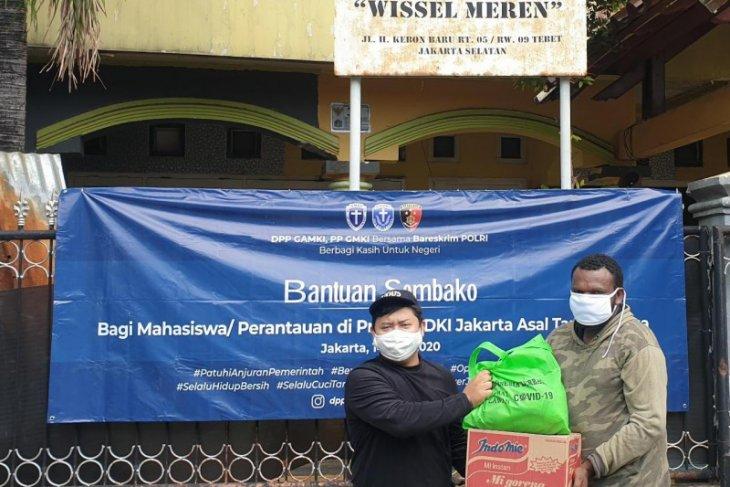 Bareskrim gandeng organisasi kepemudaan salurkan bantuan kepada mahasiswa asal Papua