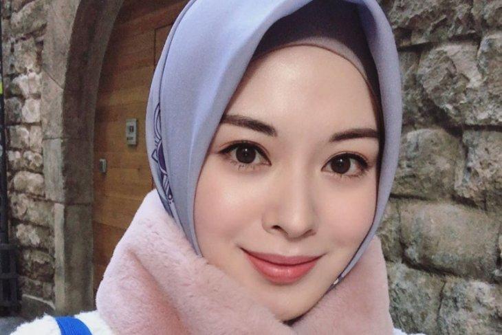 Jalani Ramadhan di Korea Selatan,  Ayana Moon kangen ayam penyet