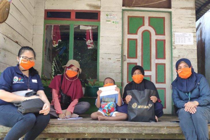 ANTAM salurkan sembako dan santunan 195 anak yatim di enam desa