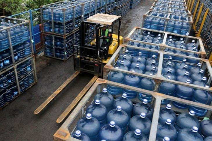 Bottled Water Products in Single-Used Gallon Stirr Controversy