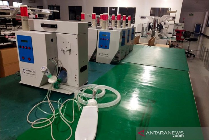 Two Indonesian-made ventilators permitted to enter market: official